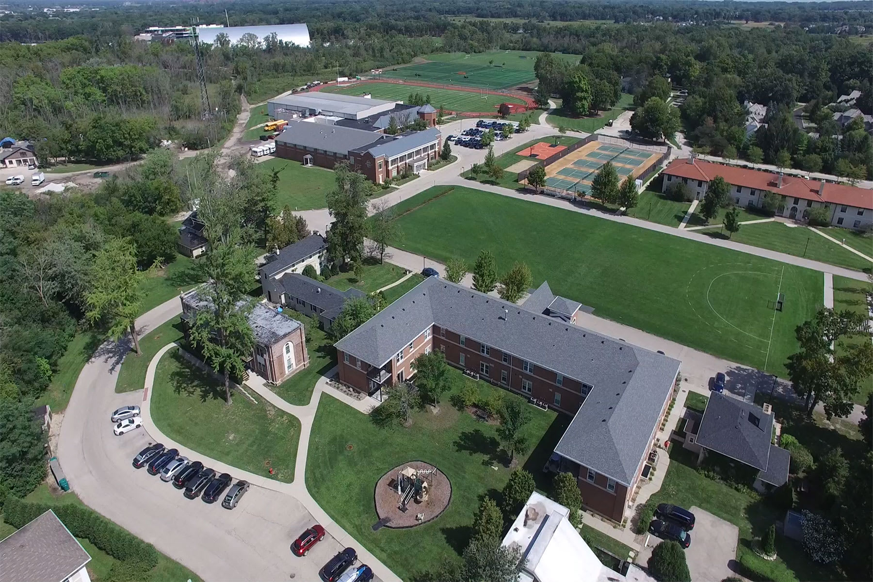 Home Lake Forest Academy