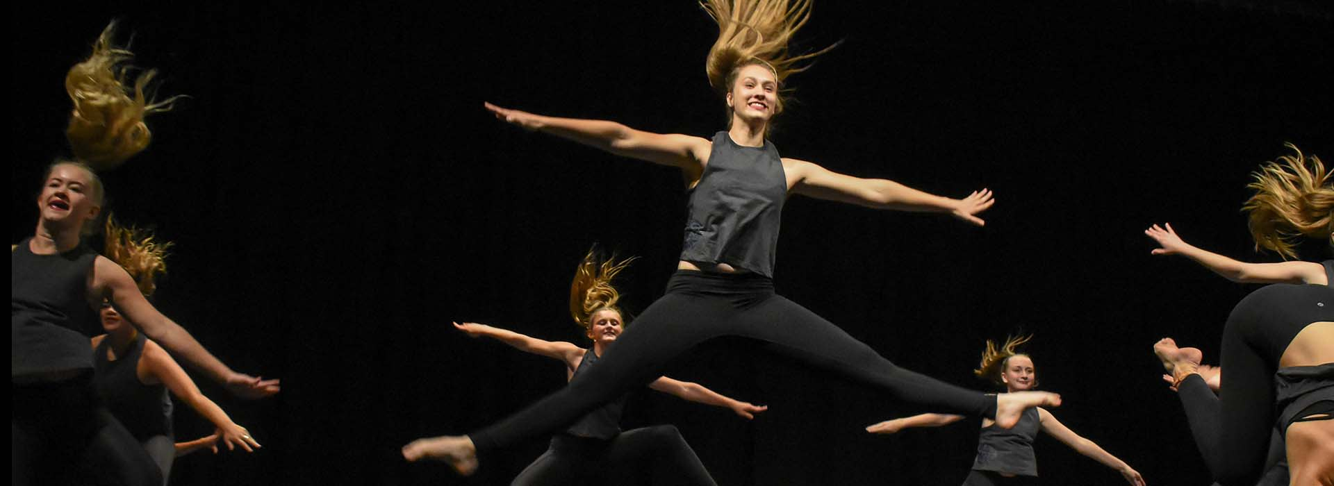 hook up op school dans