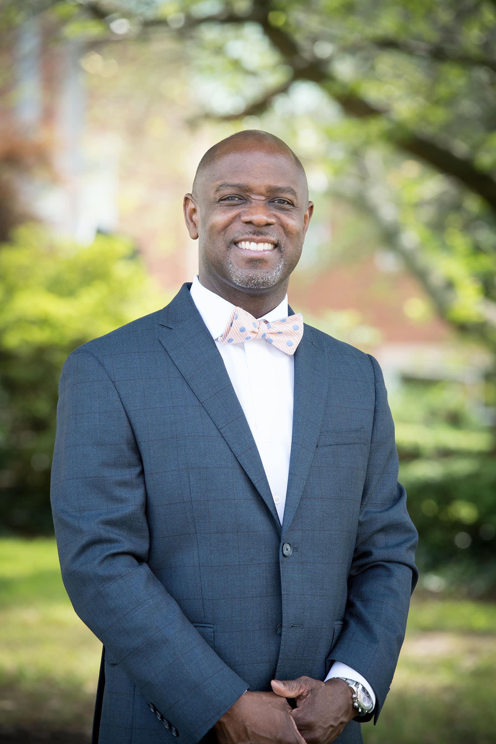 Headshot of Head of School Dr. Edward M. Trusty Jr.