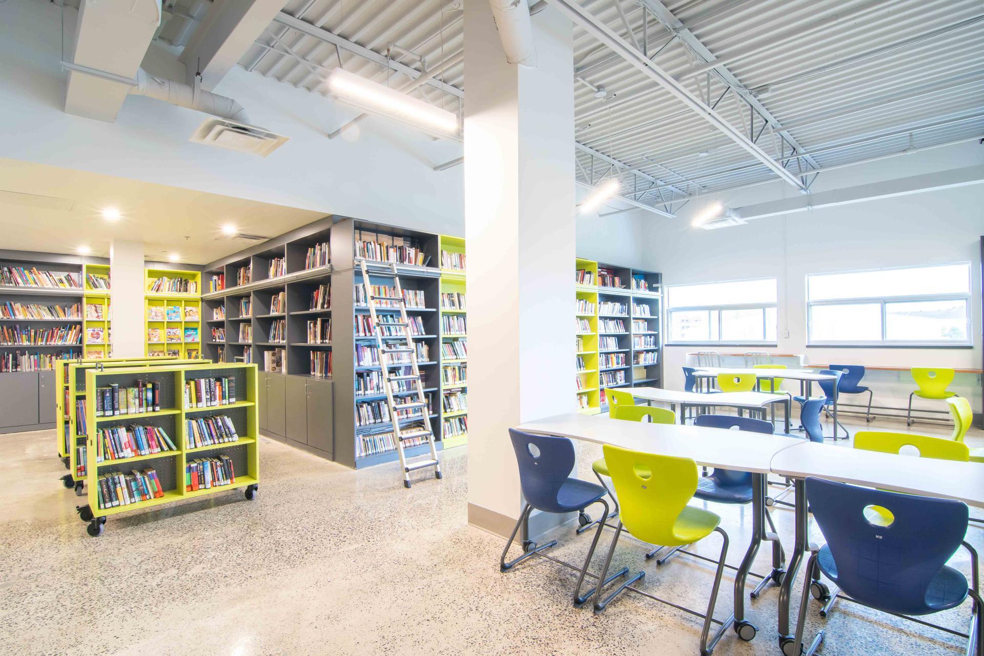 VS America: Transforming Your Library? - College Charles Lemoyne - QC